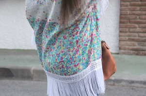 Como hacer kimono con flecos 12